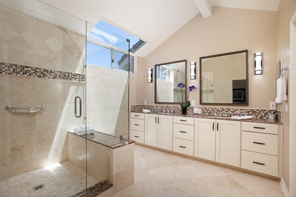 venetian cream master bath